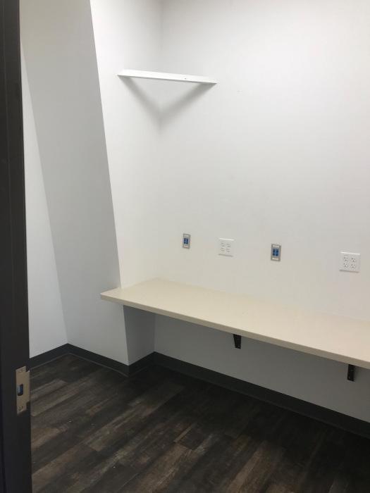 Mostrador dentro de la sala de examen.